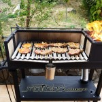 Grill oven - Custom made - wood grill - Mattblack Speedshop - 13 - roasting the meat
